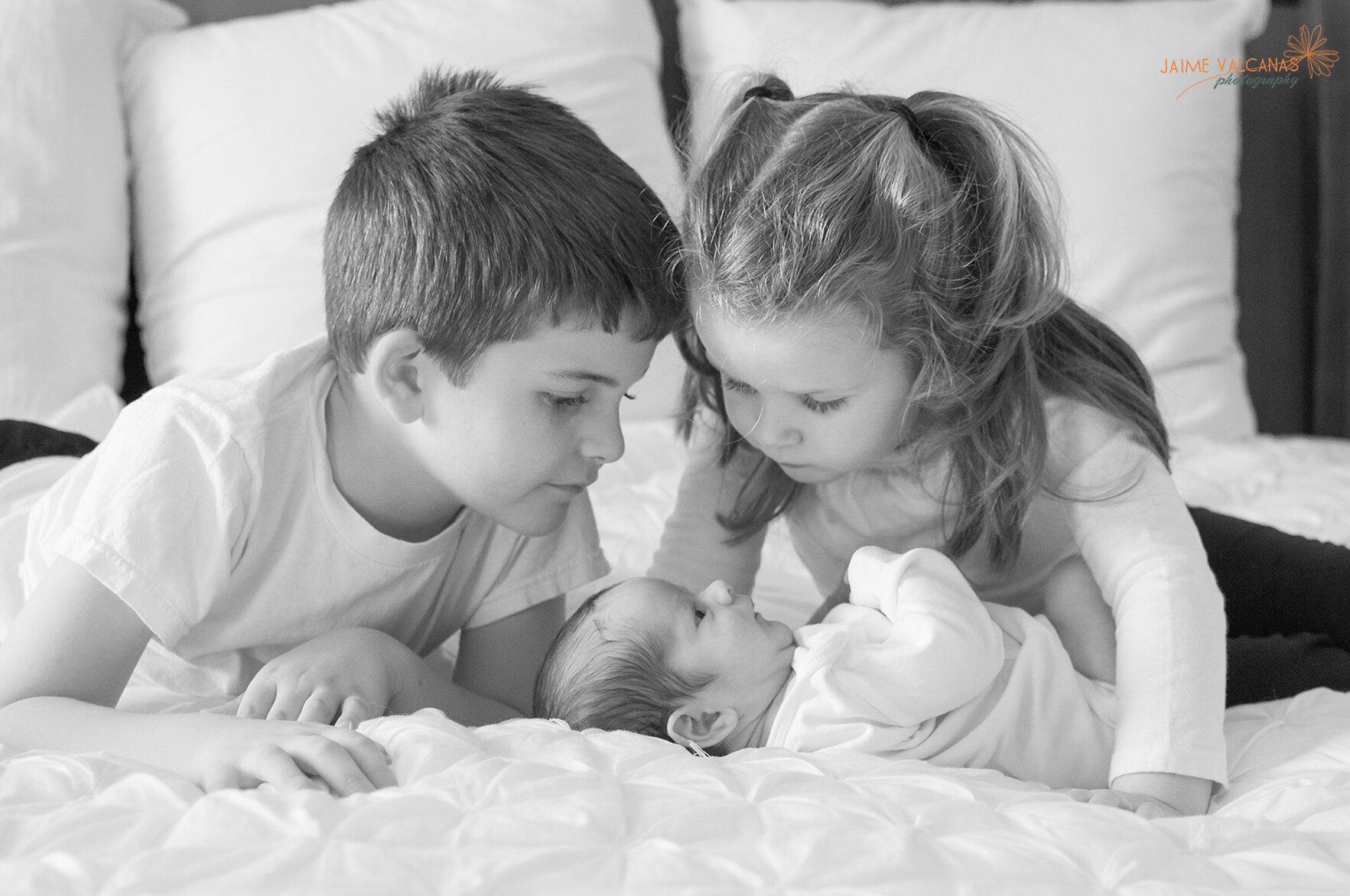 Liam-siblings.jpg