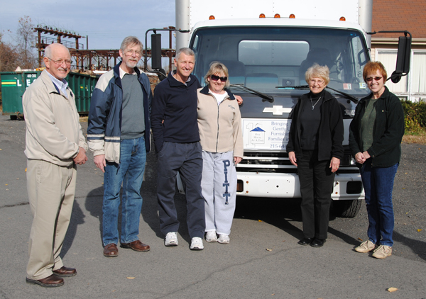 Peace LC Sends Volunteers and Bed Linens — OHAAT.org