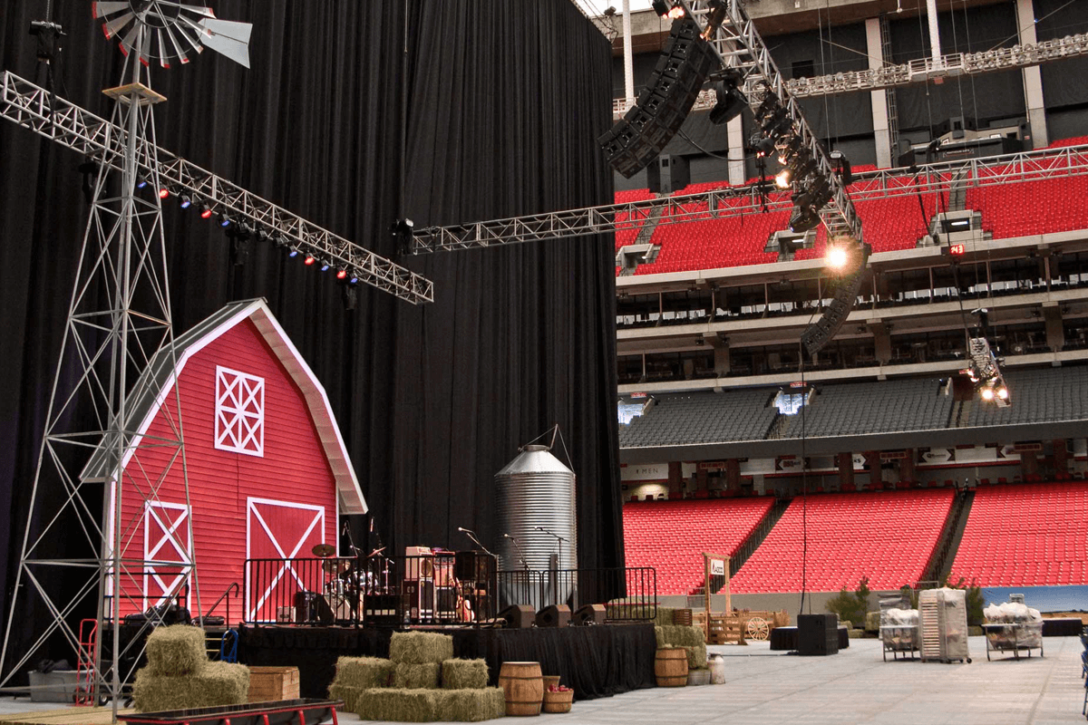 Atlanta Props™ Custom Event and Display Props - AGCO Farm at Georgia Dome