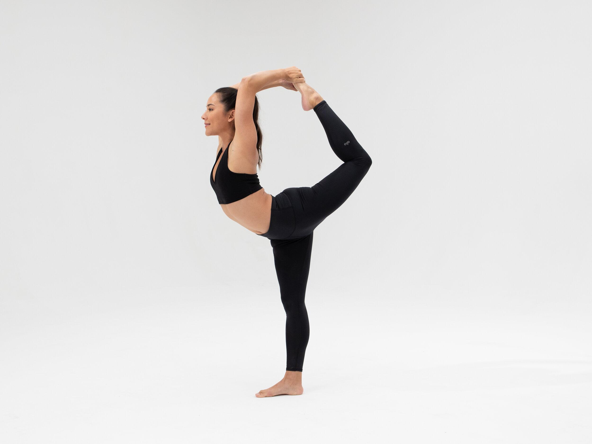 How To Do Dancer Pose Yoga Tutorial Alo Moves