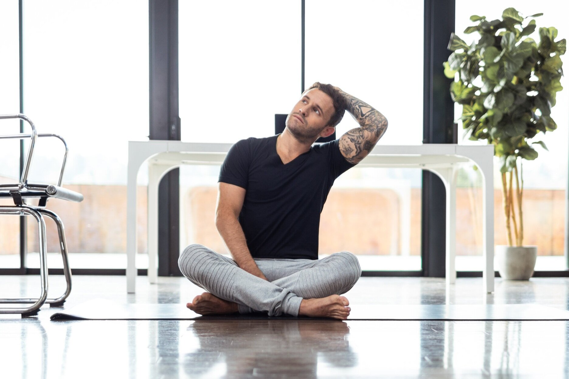 8 Yoga Poses You Can Do At Your Desk Alo Moves
