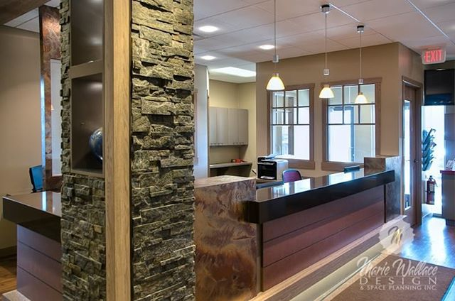 Reception - Rocky Mountain blend of texture and colour. #customdesign #office #spaceplanner #yycdesign #yyc #spaceplanning #interiordesign #interiordesigner #reception #dental #design #dentaldesign