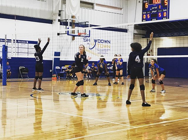 First volleyball of the season for JV and Varsity against OCP 🏐