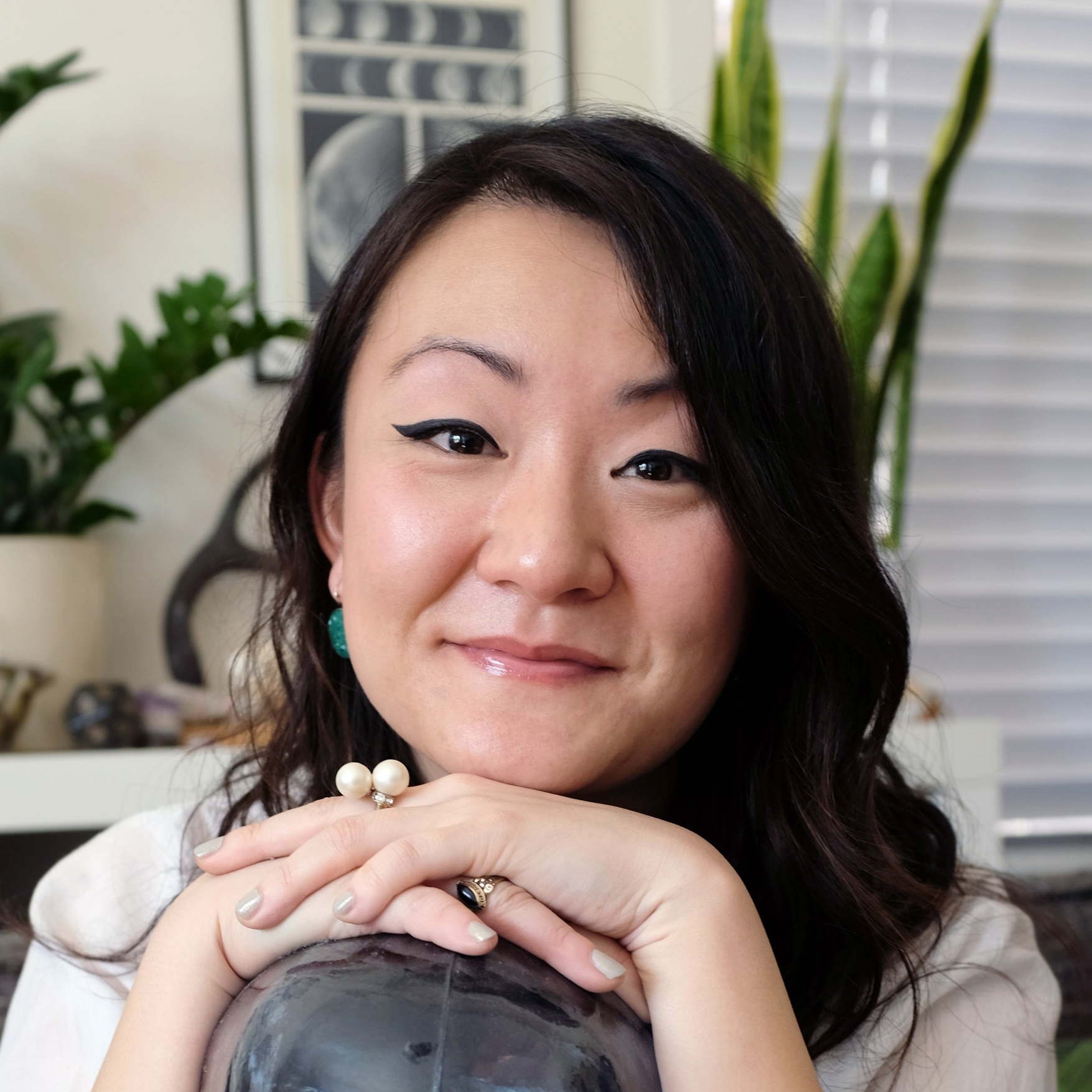 Helen Shang  ('14) is a Co-Producer on the upcoming LORD OF THE RINGS series on Amazon Prime. Helen previously was a staffed on Netflix's 13 REASONS WHY and NBC's HANNIBAL.