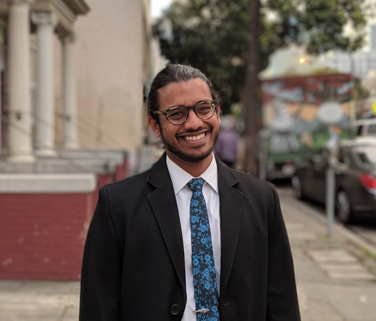 aBOUT US - Our founder and CEO, Shariq Mobin, obtained his PhD from UC Berkeley in auditory neuroscience and machine learning. Over the last five years he's been working on algorithms that specifically solve this noisy restaurant problem.