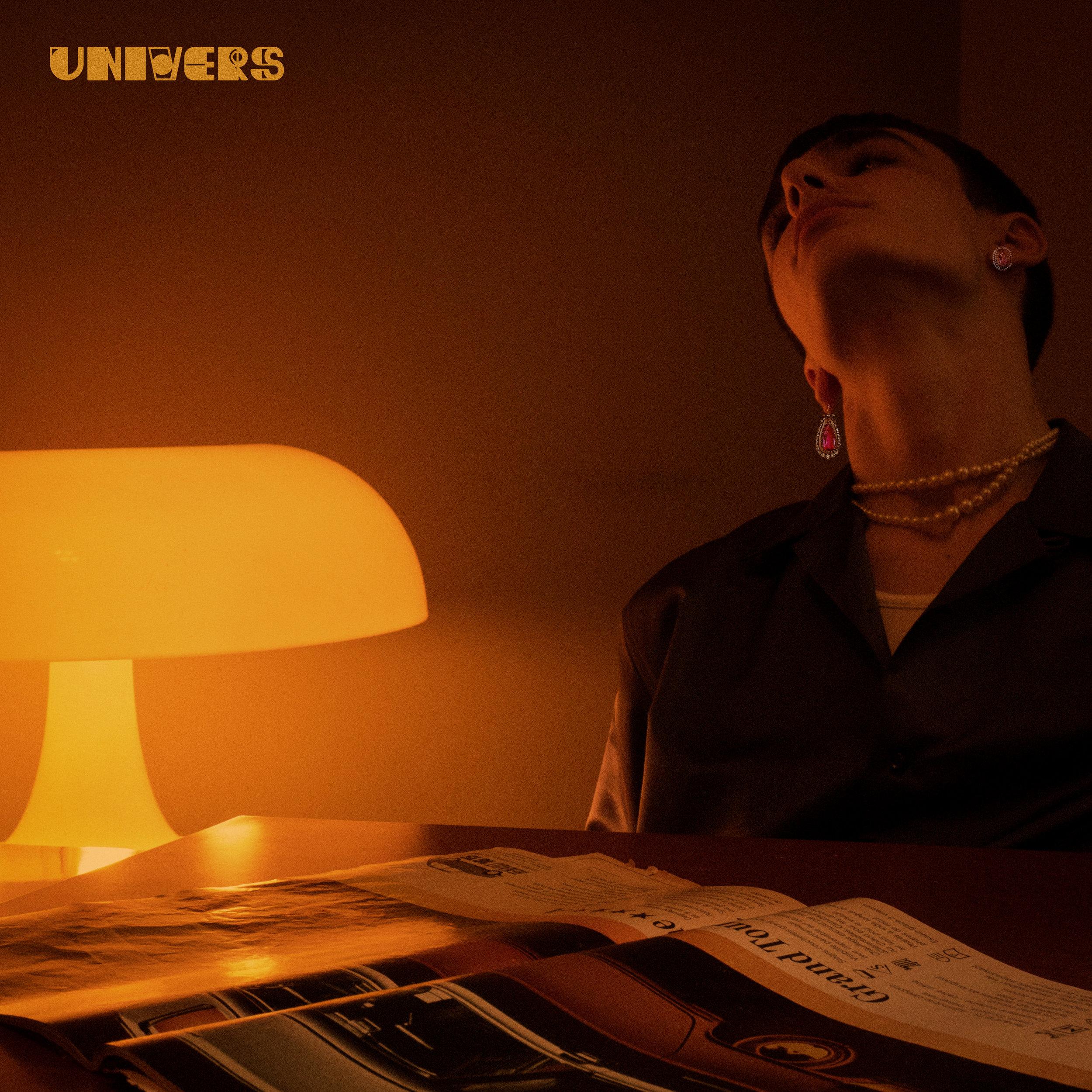 "Cover single ""Univers"" Sutus -"