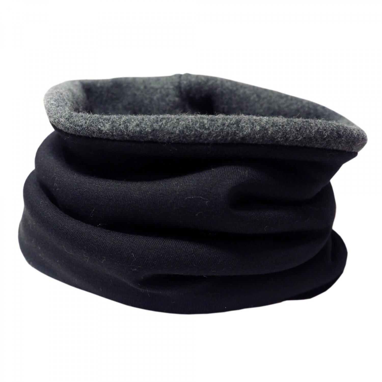 Bingabonga fleece schal - Marke: BingabongaMaterial: Bio-Baumwolle, ElasthanProduktion: DeutschlandPreis: 29,95 €Erhältlich: greenpicksFür einen warmen Hals im Winter sorgt dieser kuschelig warme Rundschal. Die hautfreundliche Qualität lässt sich auf der Haut spüren und das extra dicke, flauschige Bio-Fleece sorgt für angenehme Wärme. Die perfekte Wahl, für alle, die es zeitlos und praktisch mögen.Bingabonga bietet in ihrem Sortiment nachhaltige Kleidung für Erwachsene und Kinder. Um dabei Überproduktion und Lageraufwand gering zu halten, werden ihre Artikel hauptsächlich auf Bestellung in Berlin produziert.