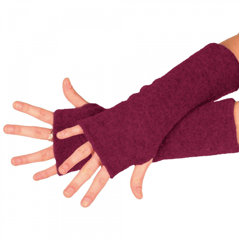 Bio Fleece Armstulpen - Marke: ReiffMaterial: Merino-Schurwolle (kbT)Produktion: DeutschlandPreis: 18,75 €Erhältlich: greenpicksArmstulpen können eine warme Alternative zu Handschuhen sein. Die Merino-Schurwolle sorgt für einen angenehmen Temperaturausgleich, bei Kälte gibt sie warm und wenn es warm ist, kühlt sie. Ob als Kälteschutz oder Accessoire, diese Stulpen in diversen Farben runden den Look für die kälteren Tage perfekt ab.Bei der Marke Reiff werden Transportwege möglichst kurz gehalten. So werden alle Naturtextilien in Deutschland am Fusse der Schwäbischen Alb produziert. Es wird ausschliesslich Merinowolle aus kontrolliert biologischer Tierhaltung verwendet.