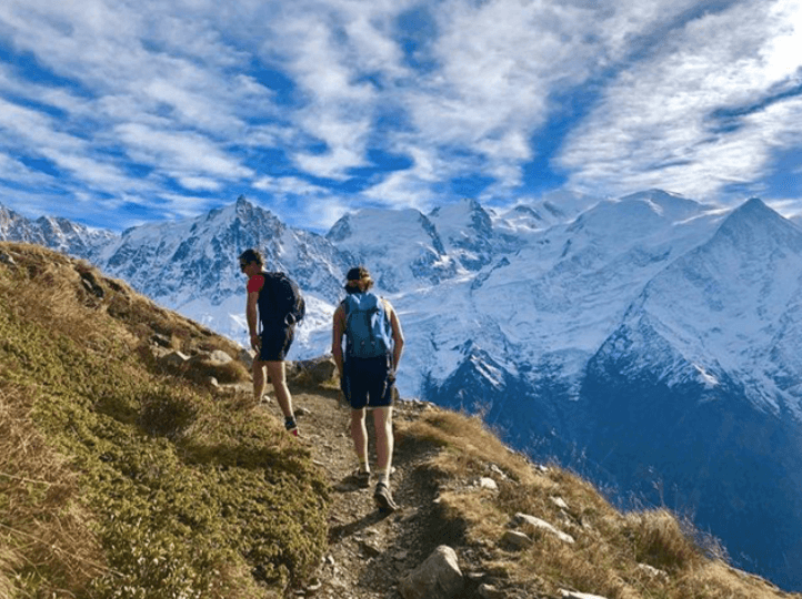 yoga_retreat_chamonix_hiking -02.png