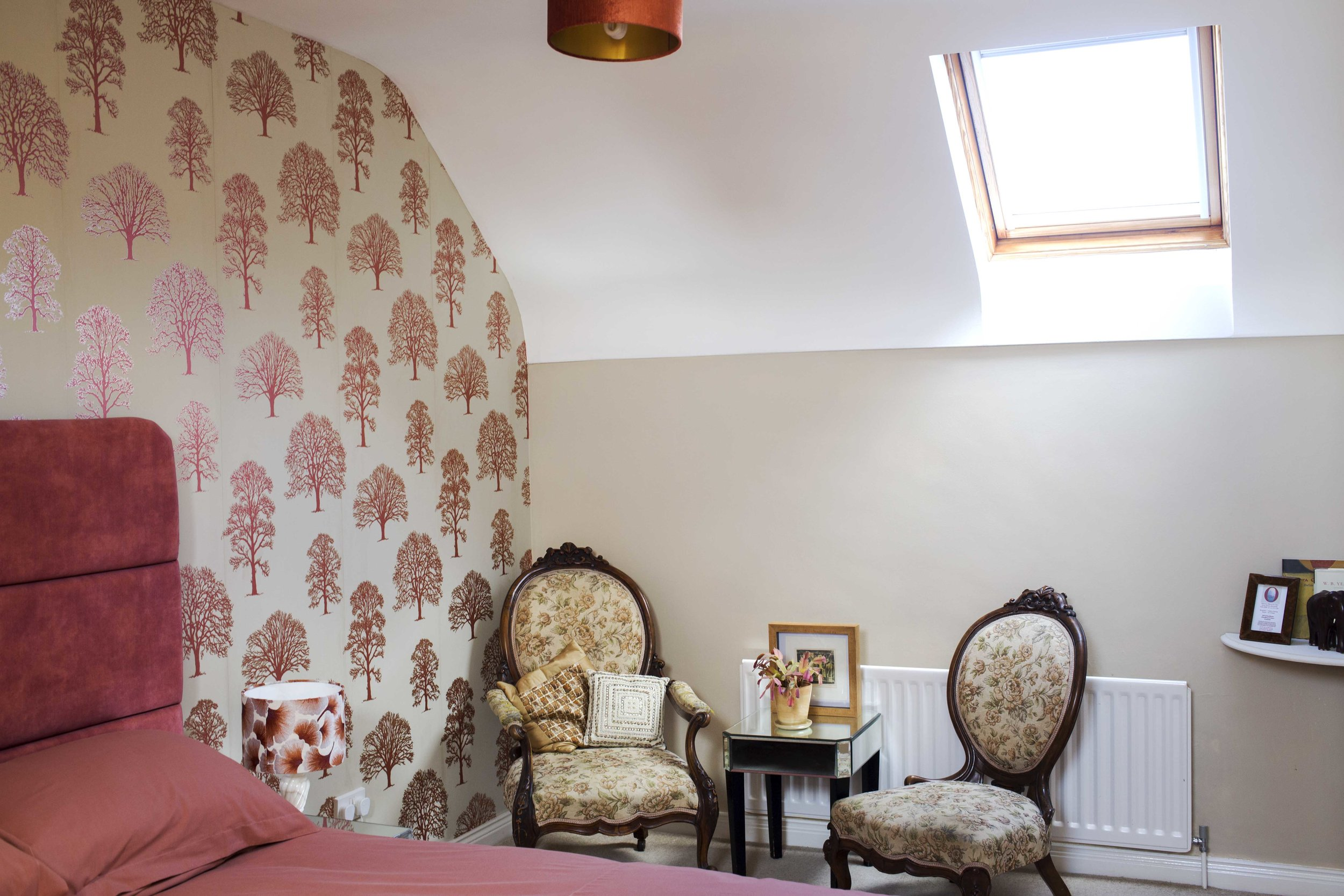 oak & gingko. room 3 - Located on first floorSuper King solid wood bed with memory foam mattressSeated area with hospitality traySmall ensuite with shower facilityFrom £40 pp based on two sharing.Single supplement - additional £20 applies.