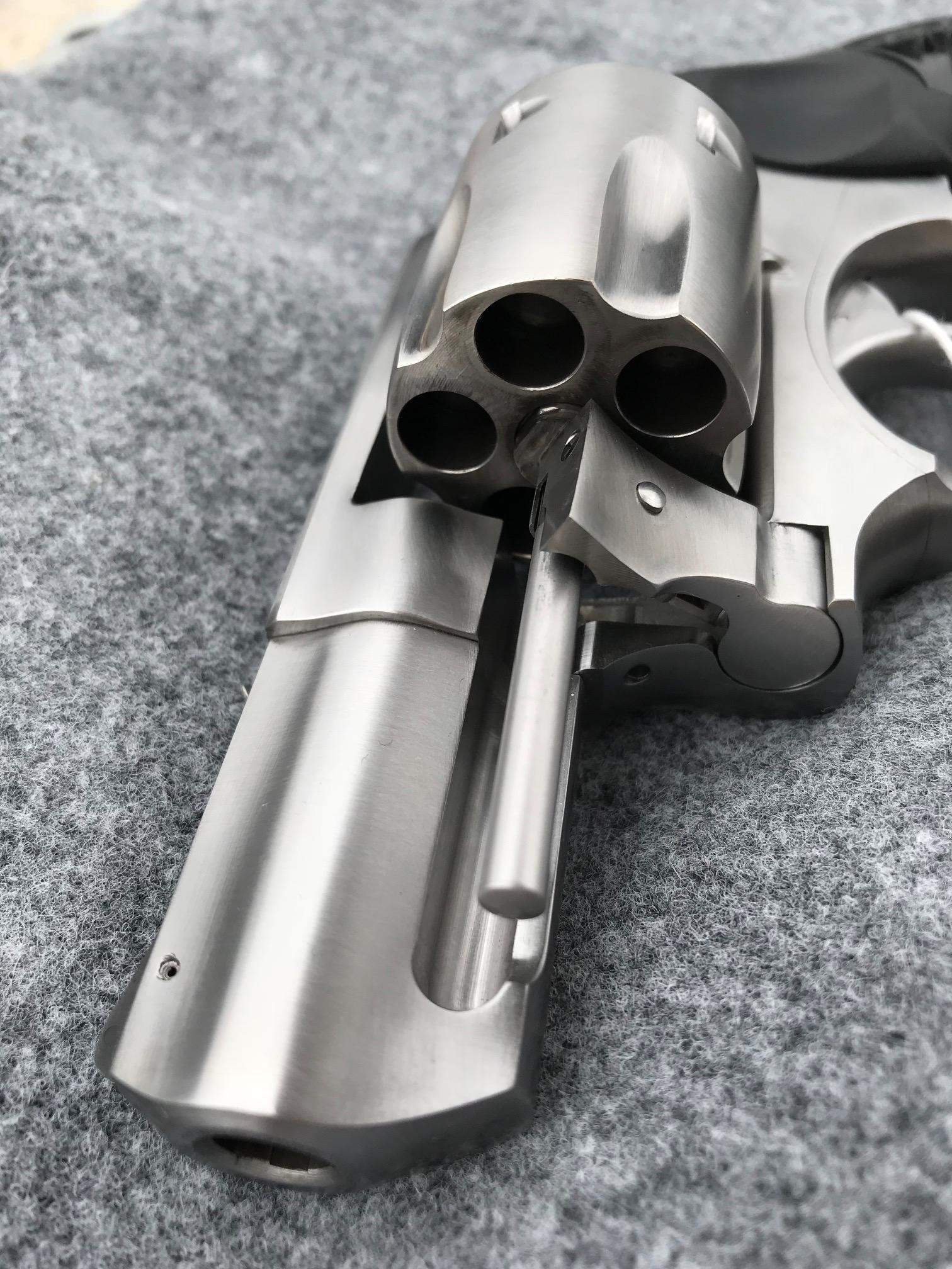 taurus revolver.jpg