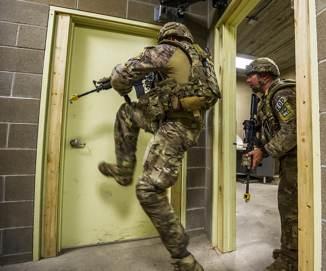 soldiers-2679304_1280.jpg