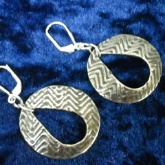 Swiggle keyhole earrings2.jpg