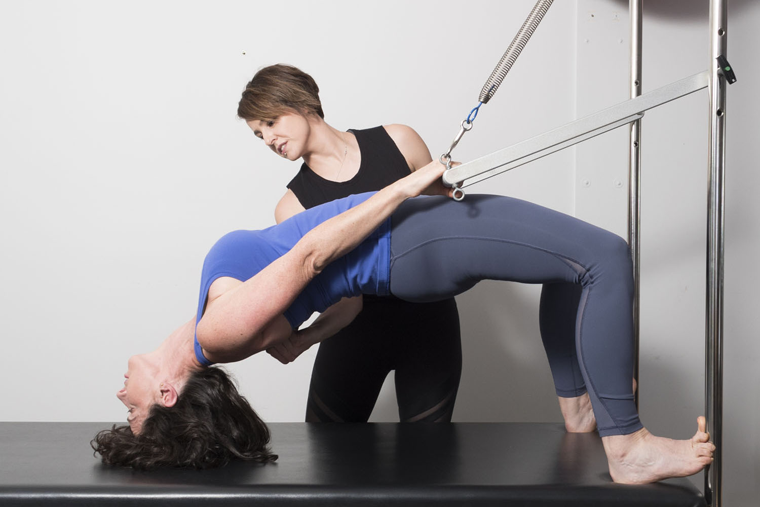 Private Classes - Private Pilates classes offer the best opportunity for an instructor to guide you through programming, using 'hands on' techniques to help you to achieve your physical goals.If you have an acute injury that requires 100% monitoring or feel you need individual and undivided attention, then Private classes are for you.