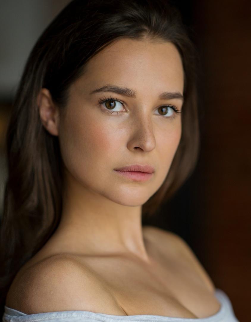 Lena Roma Headshot.jpg