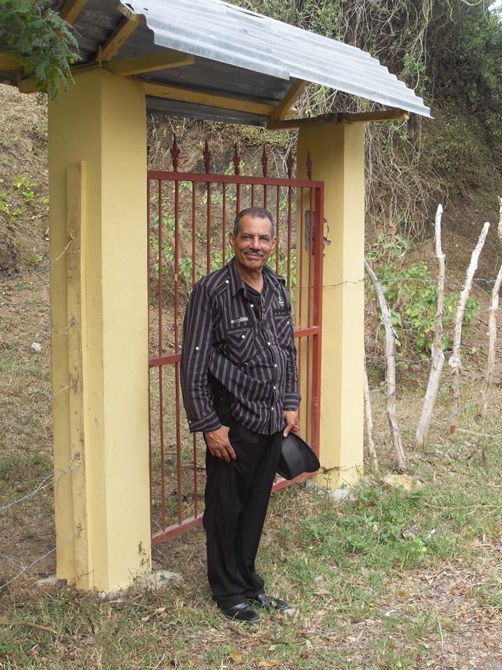Juan Rodríguez, en su finca en la República Dominicana.