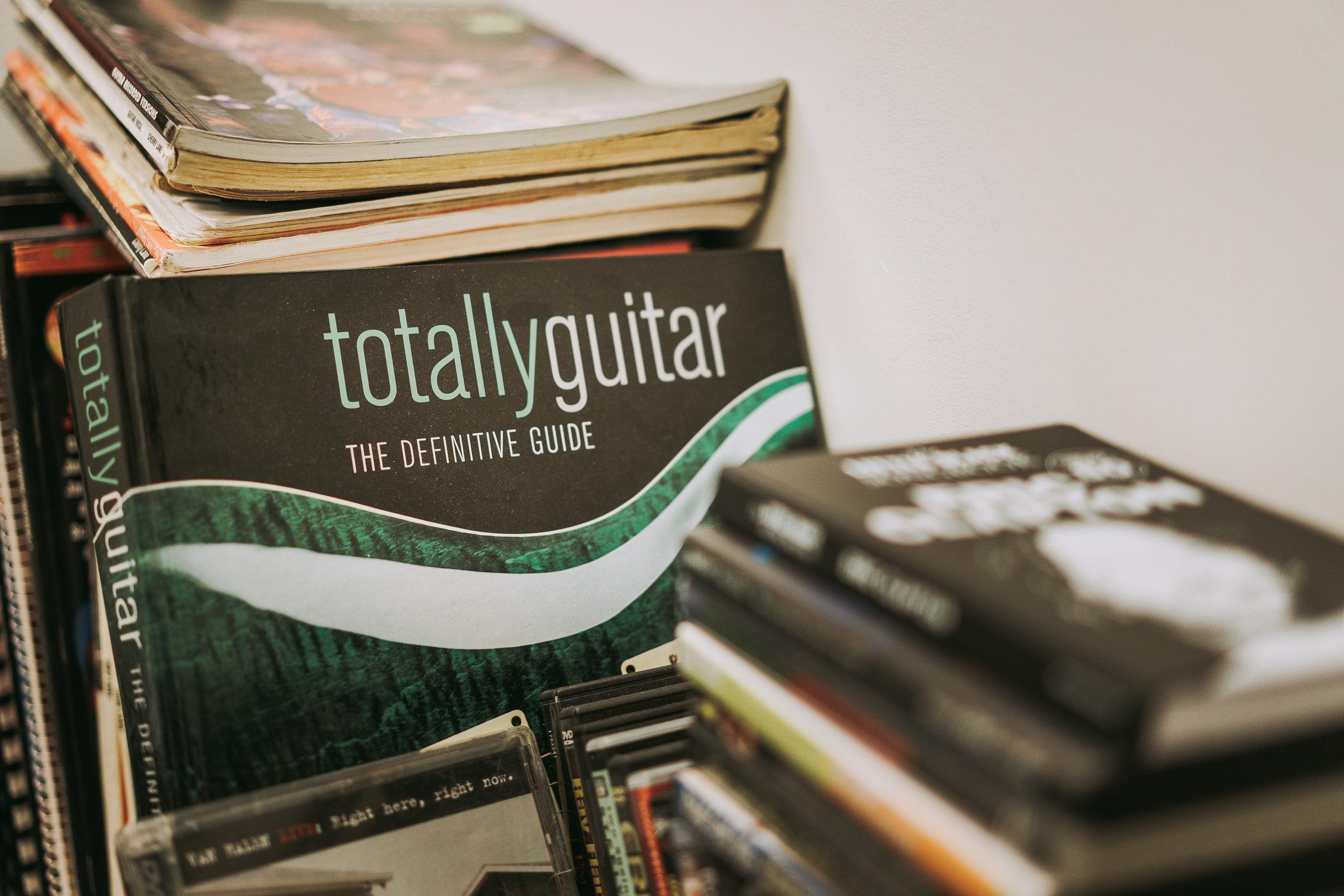 Modern-Guitar-1025.jpg