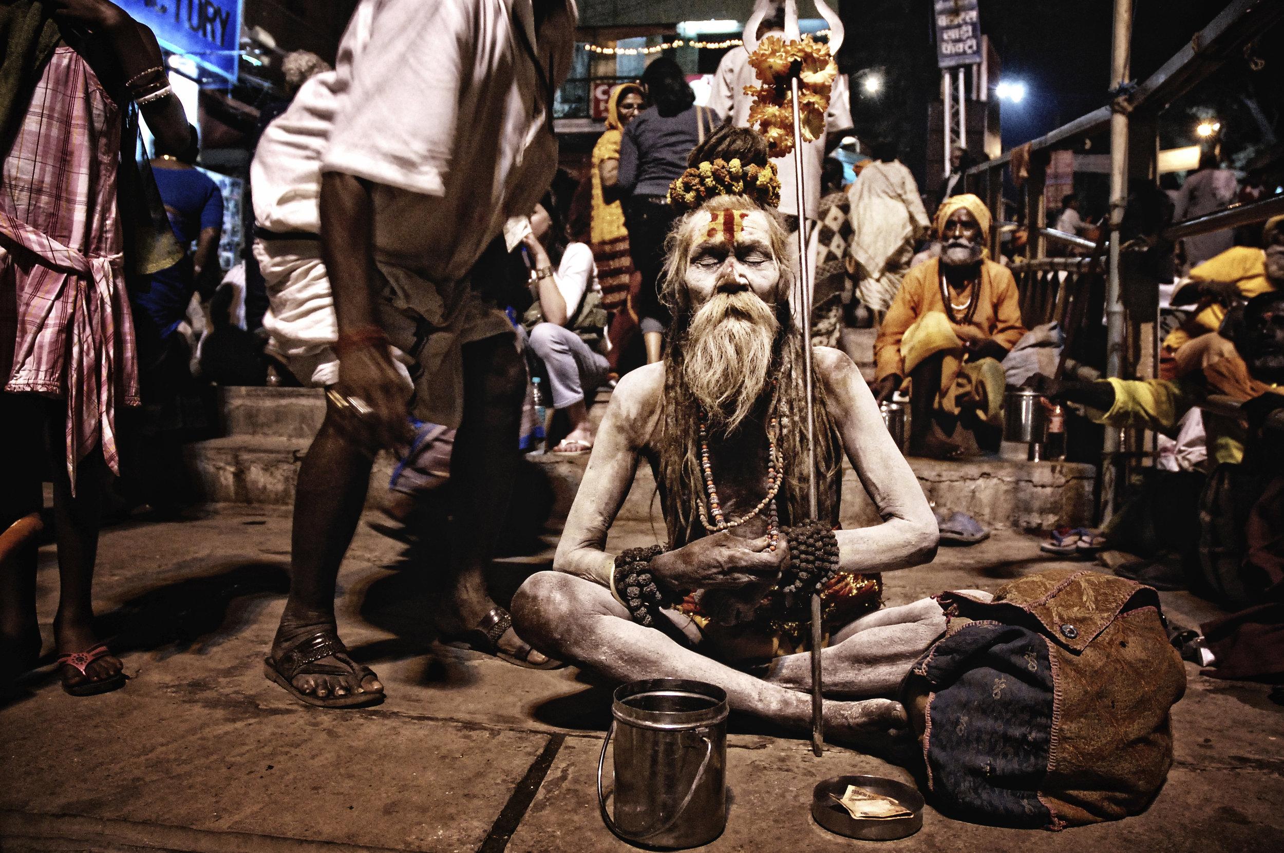 sadhus-holy-men-nepal.jpg