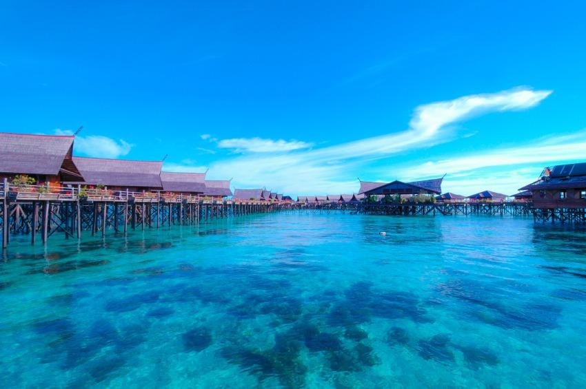 fiji-island-huts.jpg