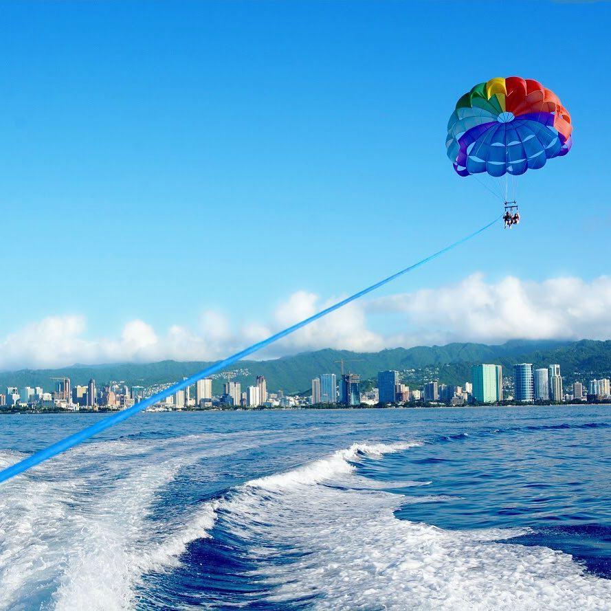 Waikiki parasailing