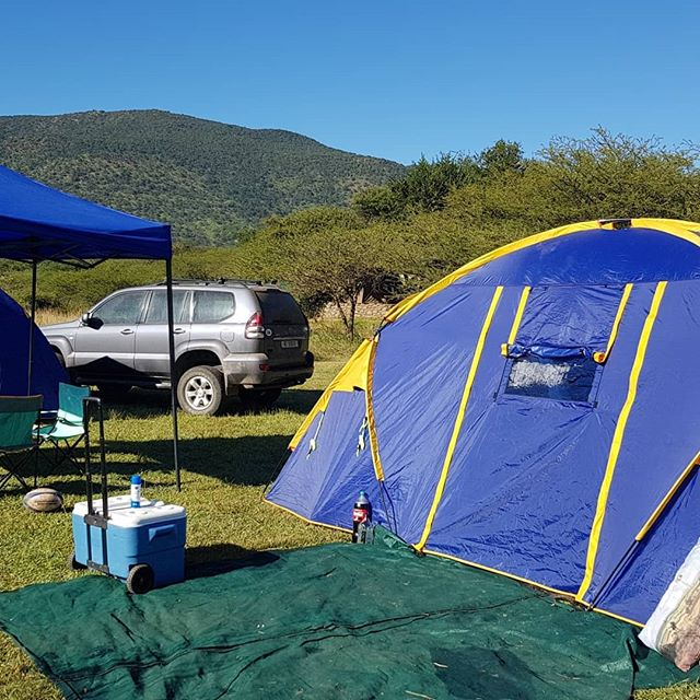 Zingela Trail Run offers a camping option. We take care of all meals, you get a lovely level, spacious piece of paradise next to the gurgling Tugela River and pay only R1050 (adult) & 520 (kids) for ALL meals and your camping for the whole weekend!