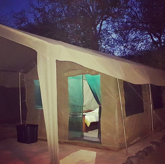 Zingela Trail Run 2020 has a few Tents which have not yet been sold. Don't miss out on an opportunity to stay in these furnished tents🏕 www.zingelatrailrun.co.za #luxurysafaritents #dometents #ZingelaTrailRun2020