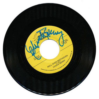 """Chuck Berry """"Roll over Beethoven"""" / """"Back in the U.S.A.""""; Autographed 45 rpm recording issued by Arc Music (Mercury Celebrity Series)"""