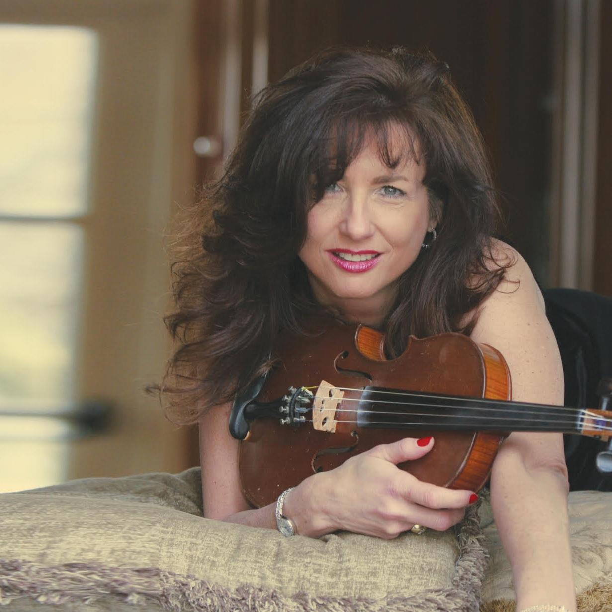 Jaimy Lynn Cohen    Location : NYC   Talents:  Jazz & Swing Violinist