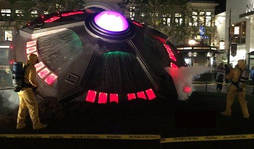 X-Files; UFO Mega-Prop