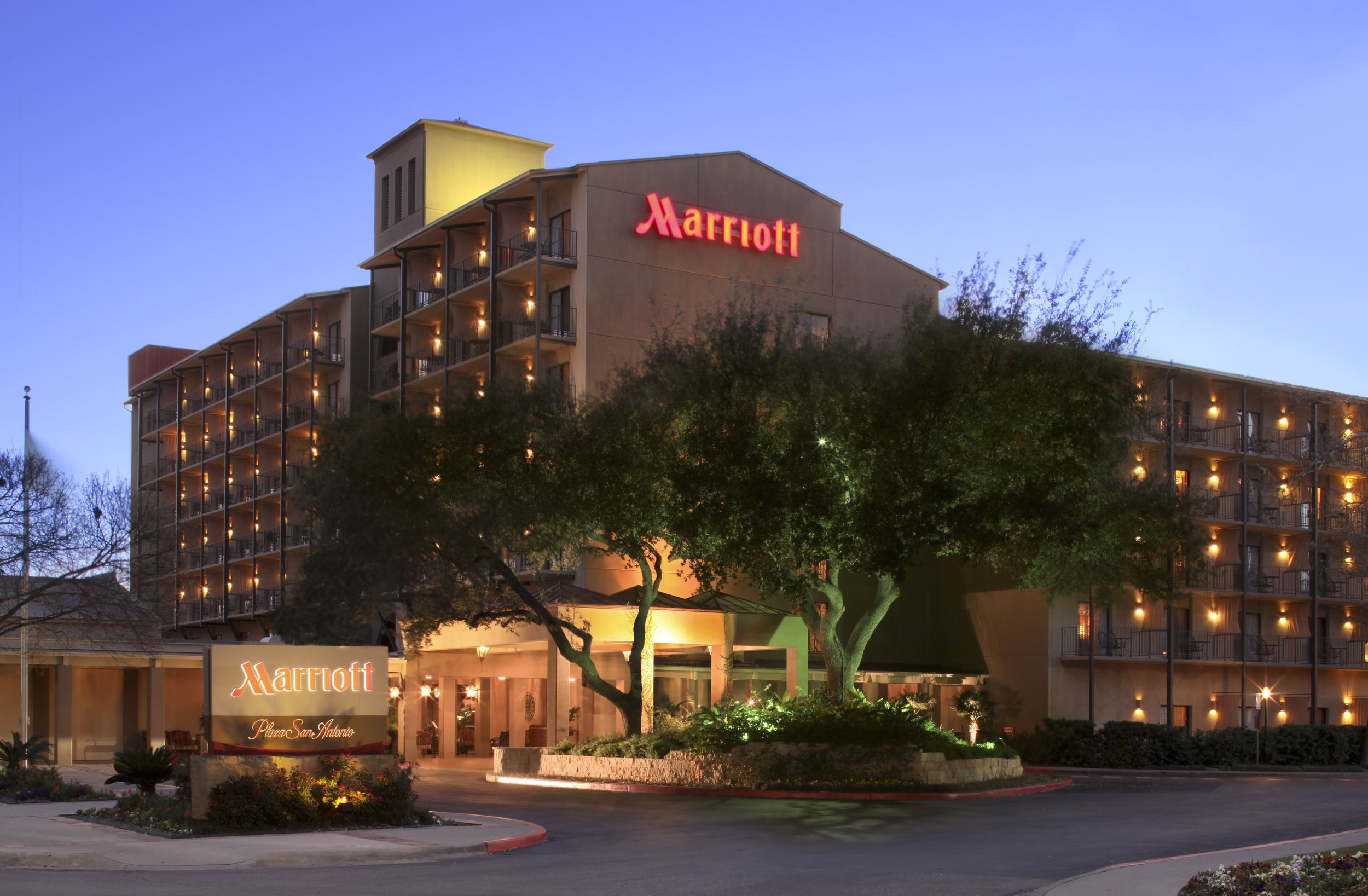 marriott-plaza-san-antonio.jpg