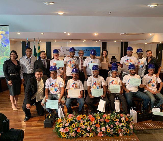 #noolhodarua ontem estivemos em mais uma formatura de curso de capacitação e empregabilidade do #mptgoiás parabéns ao Dr Tiago e à todos os envolvidos!