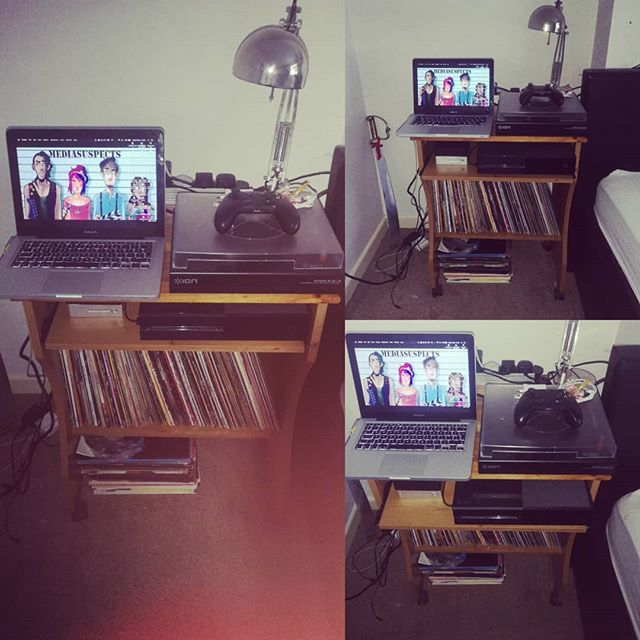 The perfect set up . #mediasuspects #music #recordplayer #records #oldschool #jazz #vinyl #macbookpro #xboxone #candy #hdd