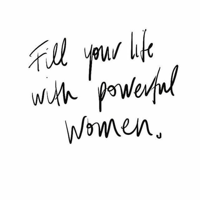 Tag a #powerfulwoman that helps you grow & be the person you are today and show them that you appreciate them ❤️ #bowotribe