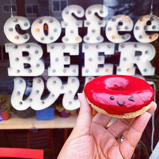 Coffee☕️ Beer🍺 & Wink😉🍩 #winkdoughnuts @makeda.and.mingus   This Saturday Wink Doughnuts PopUp shop is in Greenwood at Makeda & Mingus's Community Table!  I just love this spot & the extra special neighborhood love happening here is fav🤩 also, 😎 things: we're working on bringing you something extra special... stay tuned - work in progress- #hopeitworks 😬 #crossyourfingers  July flavor of the month is Lilikoi Love💛💜 Our vanilla bean doughnut is hand-dipped in a bold passionfruit glaze. Finished with a single stripe of blue butter fly pea flowers with a touch of blueberry juice🥰 #yourebeautifuljustwantyoutoknow  See you this Saturday 10am-2pm or sold out! 153 N 78th St. Seattle, WA  98103 #bethereorbesquare #wellbeaROUND #donutpuns  Ok bye. ✌🏽♥️🍩- Maretta  #popup #popupshop #delicious #organic #doughnuts #thathappentobe #glutenfree #plantbased #dairyfree #eggfree #vegan #vegetarian #baked #donuts #supercute #seattle #local #original #womenownedbusiness #startup #bakery