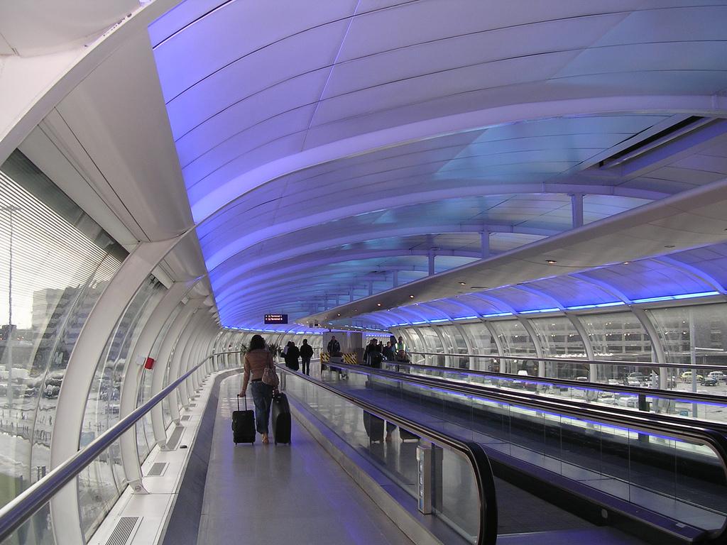 745a4-manchestr-airport.jpg