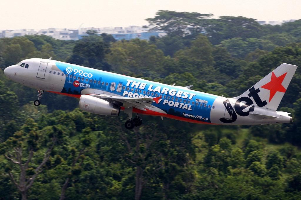 Jetstar 99.co Branded Plane