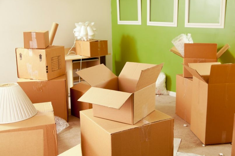 MOVE MANAGEMENT - DOWNSIZING AND RELOCATING YOU WITH CARE.How can we help? The Mavins team understands the physical and emotional demands of beginning a new stage of life. As move management experts, we offer a full menu of moving services to streamline the process, including sorting, decluttering, and facilitating aging-in-place.