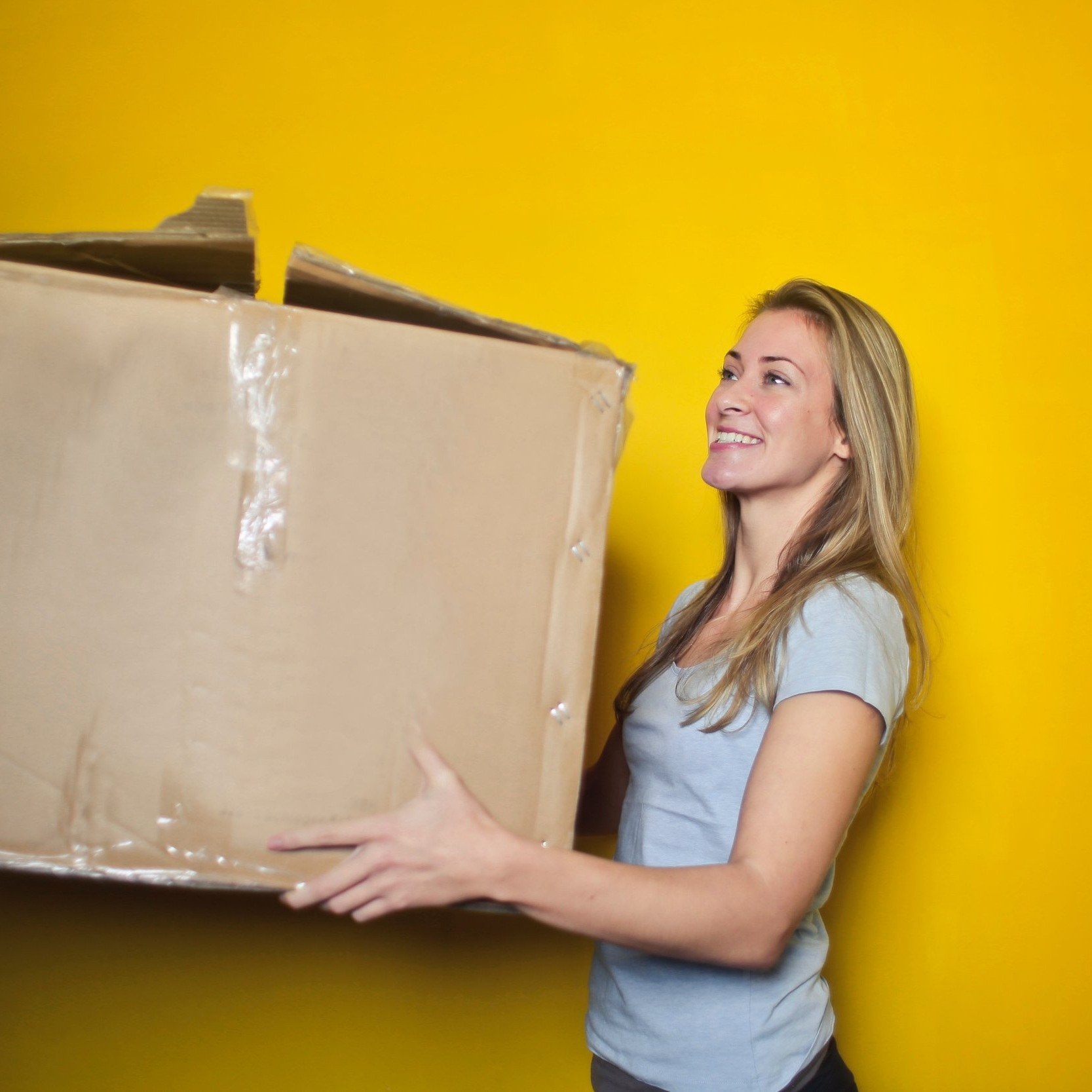 DO YOU NEED HELP MOVING HOME? - Are you moving house and feel overwhelmed, here's how The Mavins Group can help!