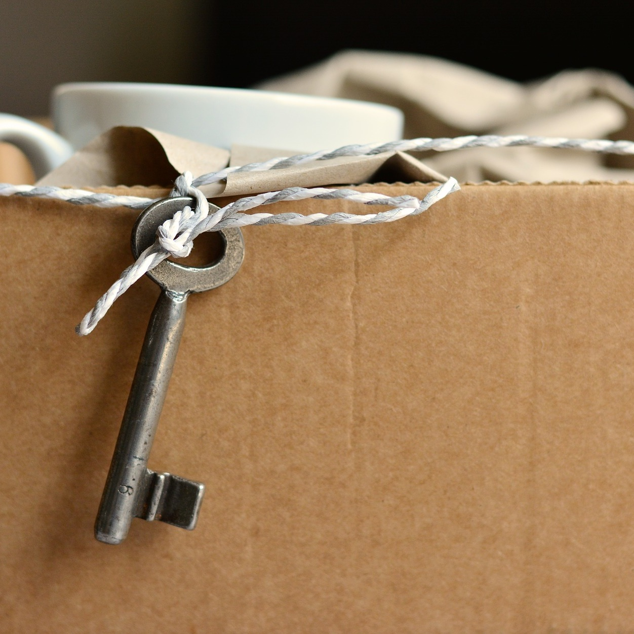 are you RELOCATING OR moving? - You're planning a move but don't know where to begin, don't worry we can help you