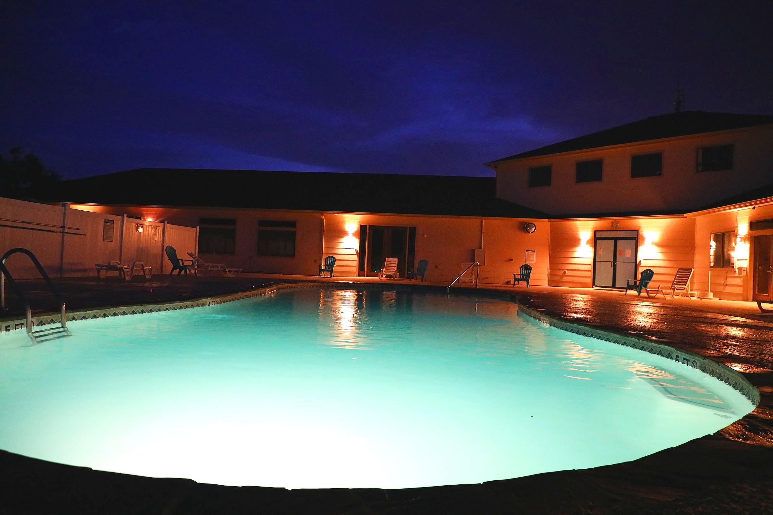 night+time+pool+234A1341.jpg