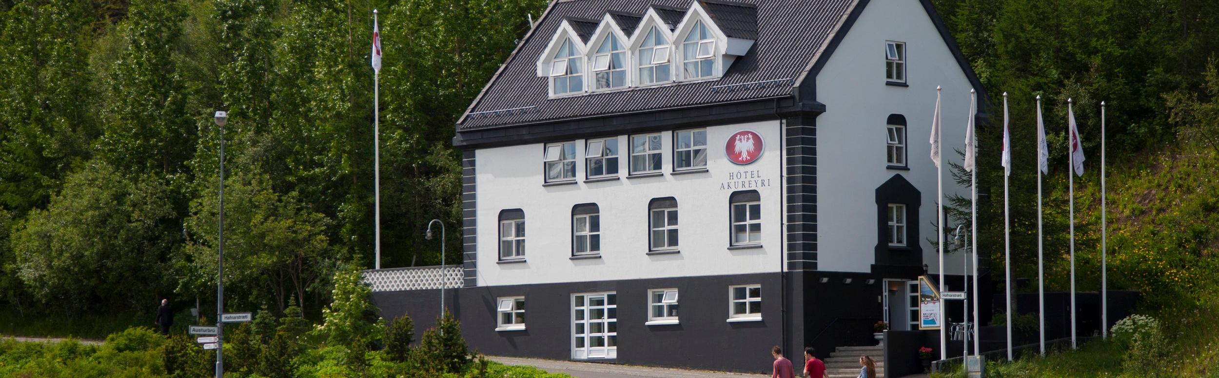 Skjaldborg Exterior -