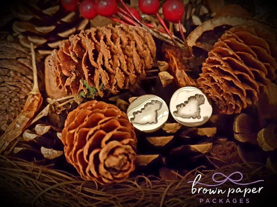 BPP cuff links gsy pine cone bg.jpg