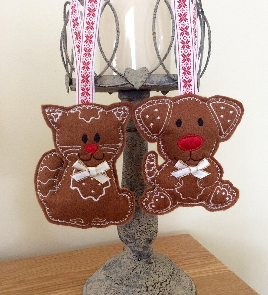 gingerbread style cat and dod.jpg