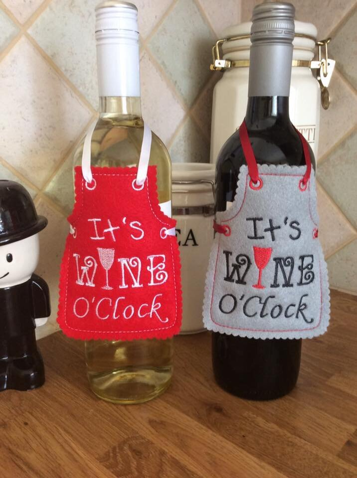 It's Wine Oclock bottle apron.jpg