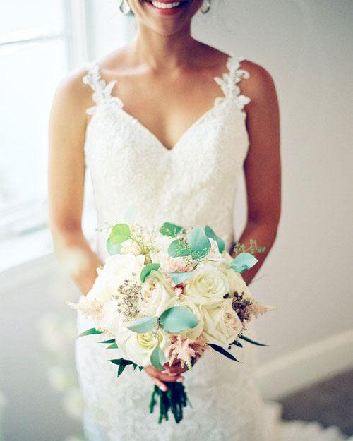 boho-rose-bouquet-bouquet-bliss-maui-beach-weddings.jpg