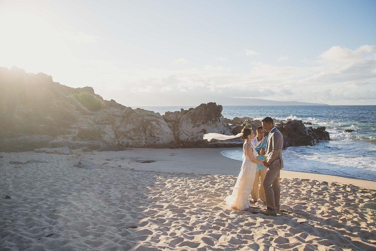 bliss-maui-beach-weddings-maui-maka-photography-4-1200.jpg