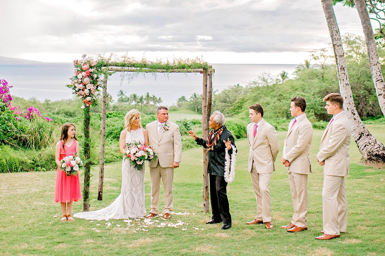 gannons-grassy-knoll-bliss-maui-beach-weddings-190716-18-35-37.jpg
