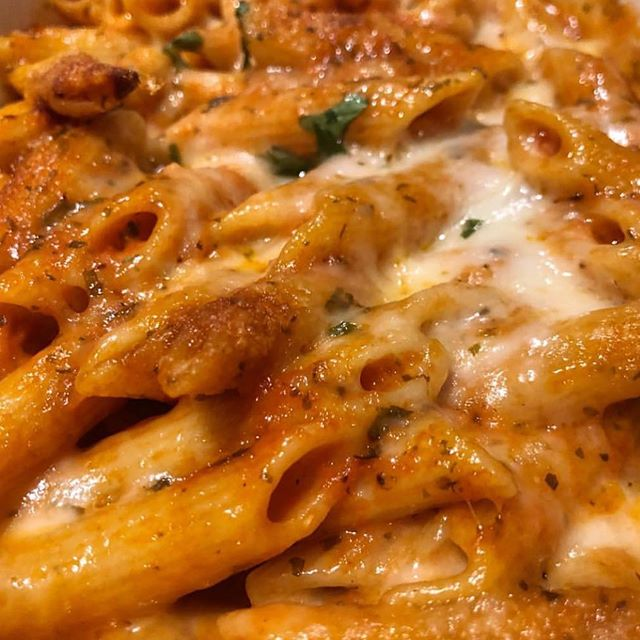 Up close & personal with penne   🤤
