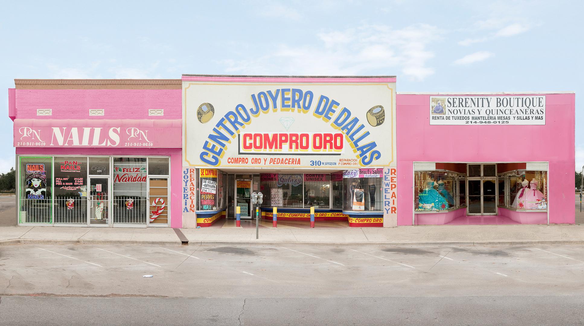 Centro Joyero,  25 x 45 inches, archival pigment print, 2011