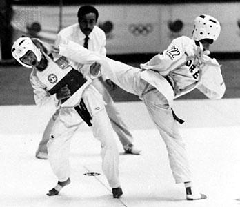 Det första OS spelen i SEOUL korea 1988 där Taekwondo var med som test idrott  för att sedan bli officiell OS sport i Sydney OS 2000